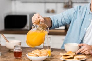 zumo de naranja con miel