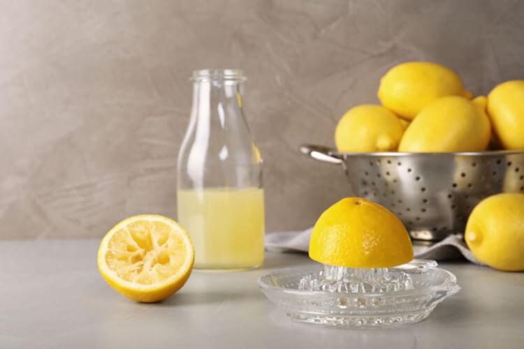 10 Beneficios de beber agua con limón en ayunas